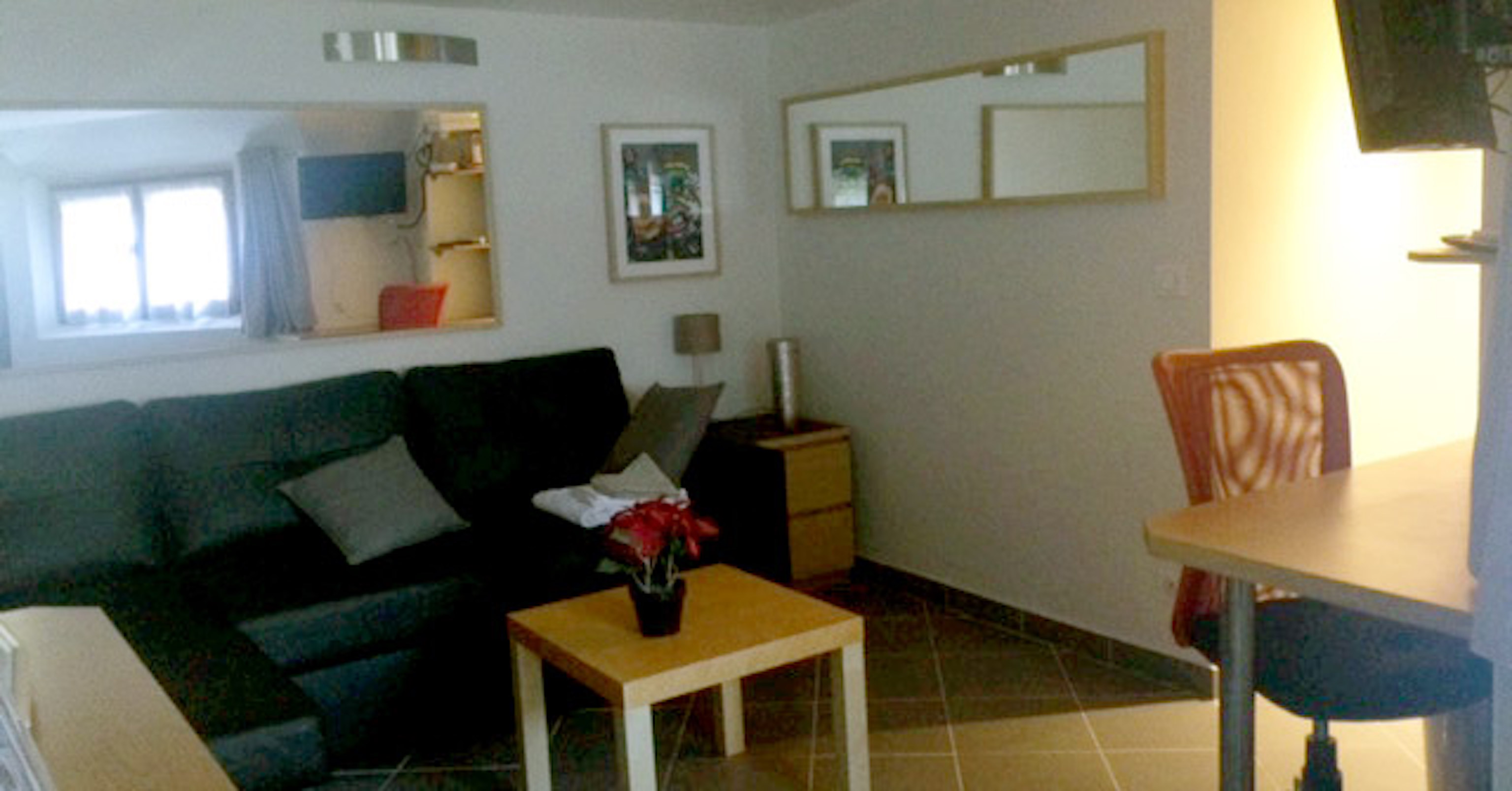 appartement studio meublé versailles coquelicot salon