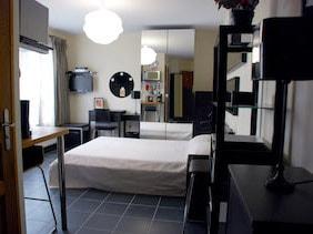 appartement studio meublé versailles edelweiss chambre