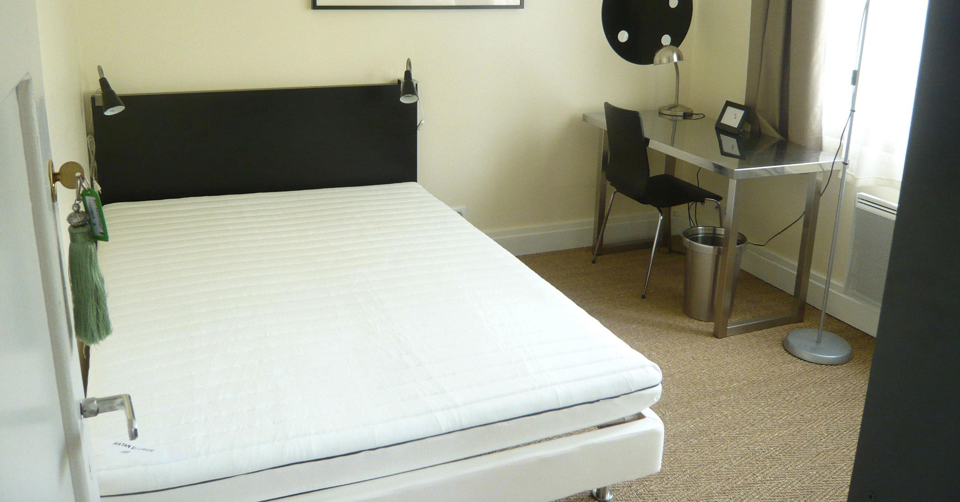 appartement meublé versailles Fushia chambre