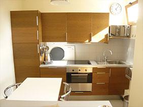 furnished apartement versailles Fushia Kitchen