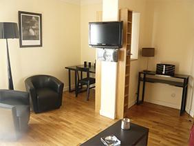 appartement meublé versailles Fushia salon 2