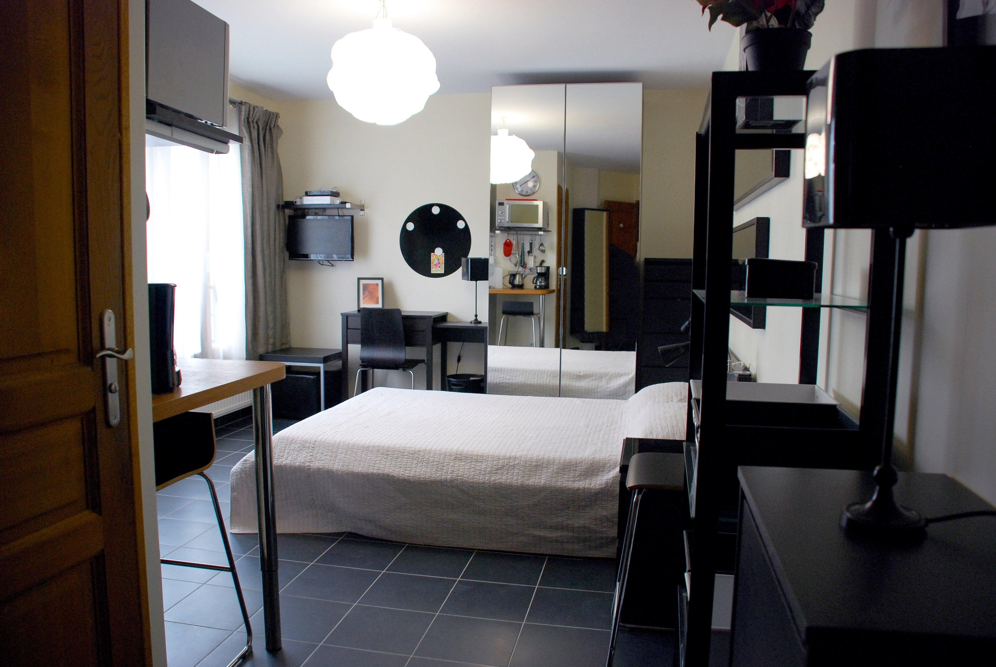 appartement studio meublé versailles genet salon