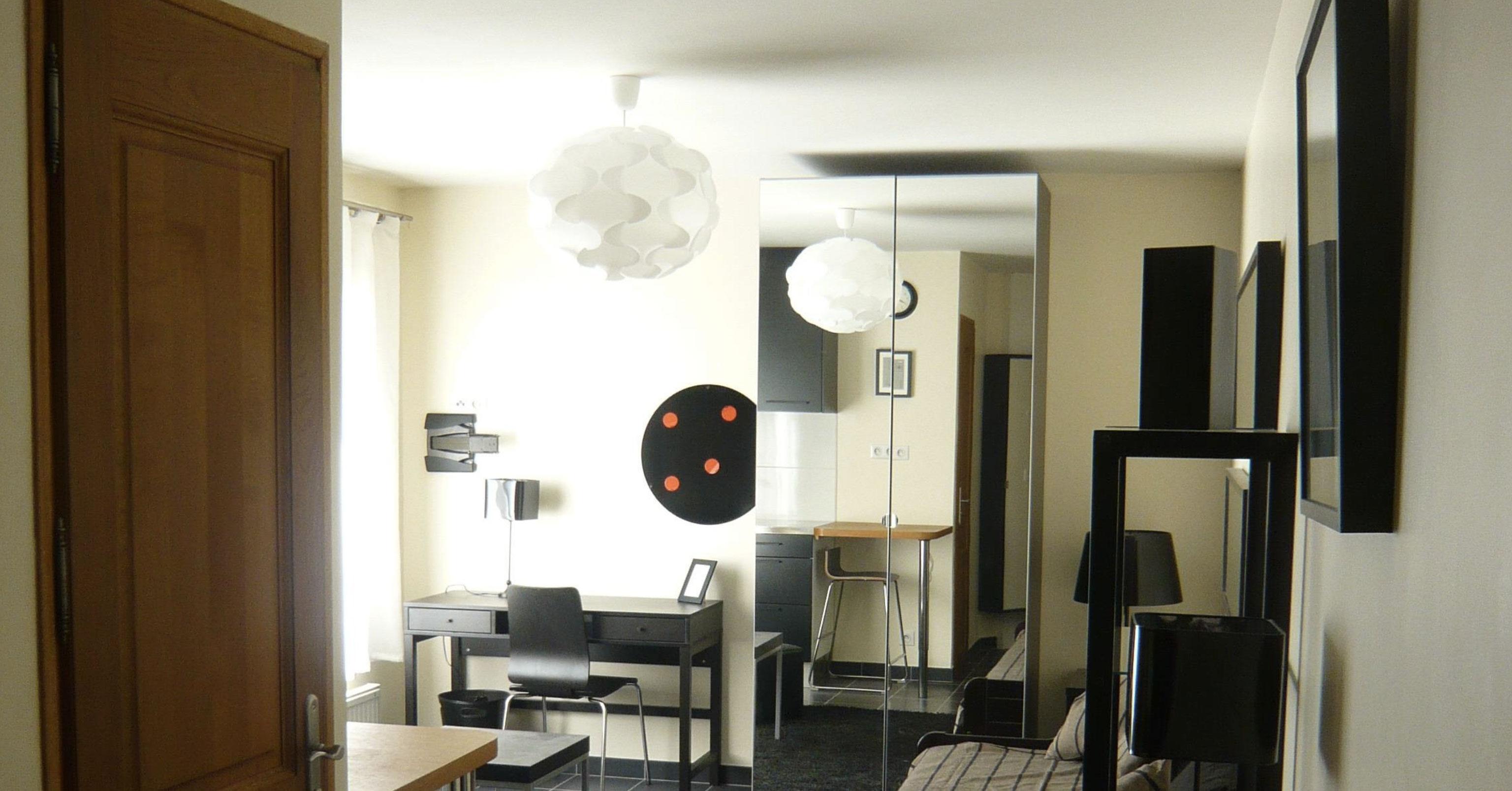 furnished apartement studio versailles Genet Bathroom