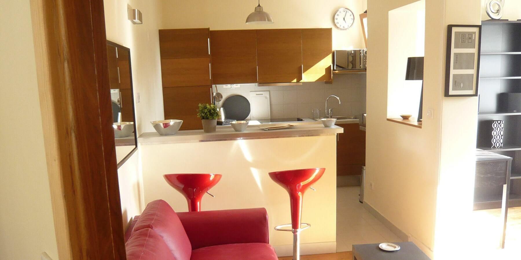 location appartement et studio meubl versailles amvgp. Black Bedroom Furniture Sets. Home Design Ideas